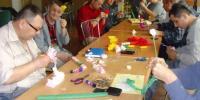Tvorivé dielne k MDŽ - výroba papierových kvetov